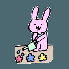 ナプキンをつけたウサギの日常